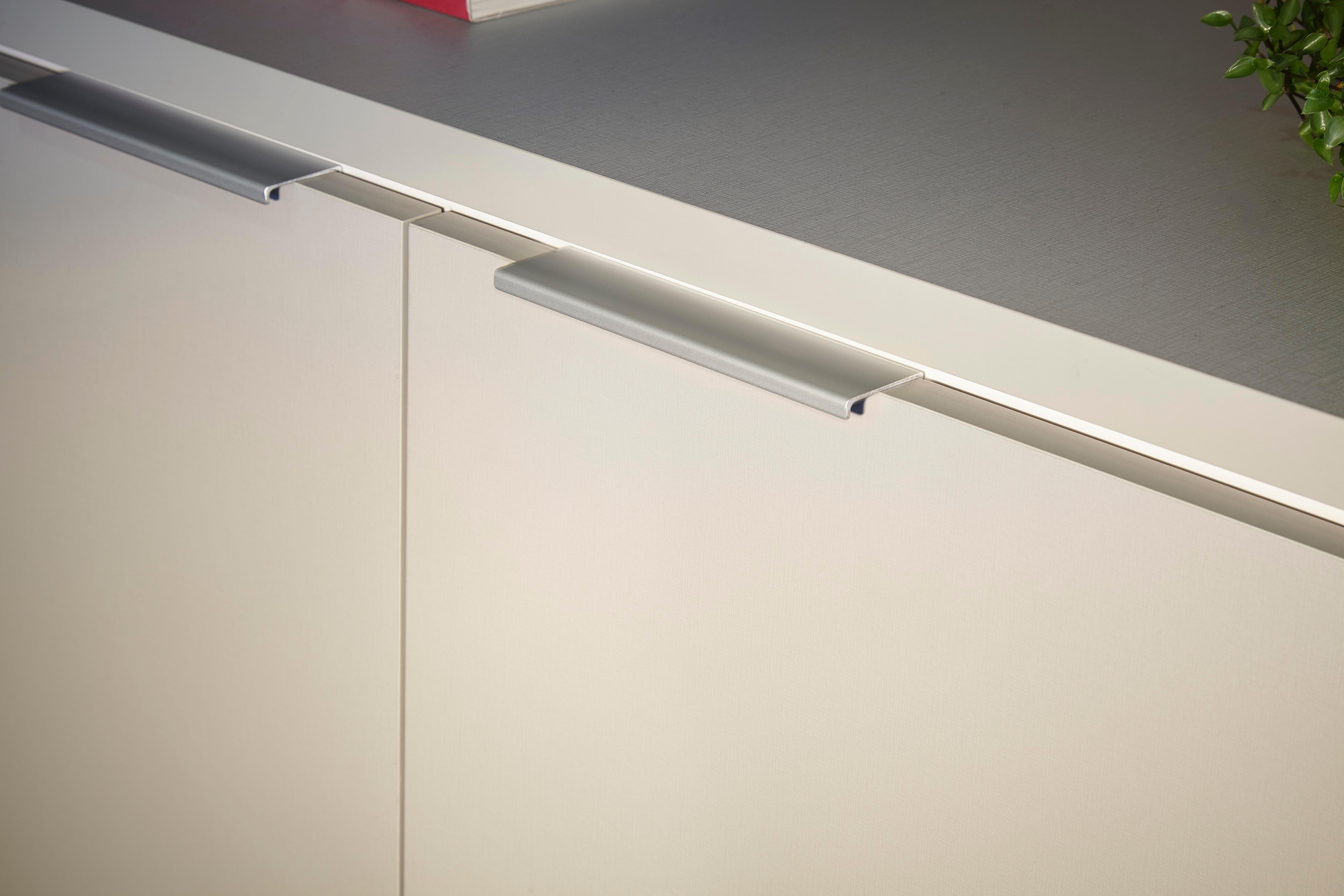 Puxador Line - Dell Anno